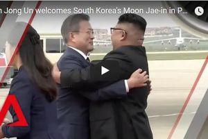 Clip: Ông Kim Jong-un bắt tay thân mật Tổng thống Hàn Quốc tại Bình Nhưỡng