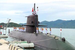 Tàu ngầm Nhật Bản lần đầu tiên xuất hiện tại cảng Việt Nam