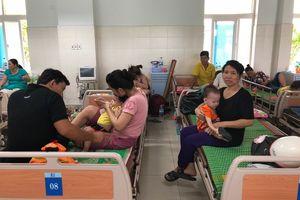 Quảng Ngãi: Số trẻ mắc bệnh tay chân miệng tăng đột biến