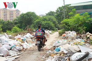 Quận Hoàng Mai phản hồi bài viết 'rác thải sau trường học' trên VOV.VN