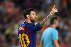 Vượt Ronaldo, Messi là vua hat-trick ở Champions League