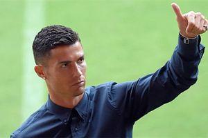 Allegri không thừa nhận Juventus là ứng viên vô địch dù có Ronaldo