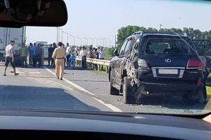 Tài xế Lexus BKS 8888 bị tông chết khi xuống xe làm việc với CSGT