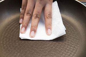 Bỏ ngay 8 sai lầm tai hại khi dùng chảo chống dính
