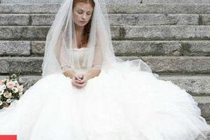 Cô dâu dọa hủy kết bạn Facebook vì khách mời không mừng cưới 3.000 USD