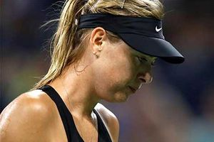 'Búp bê Nga' Sharapova treo vợt đến hết năm