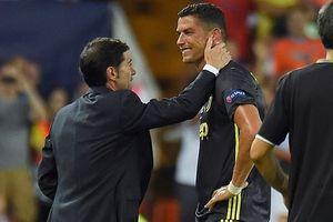 Valencia 0-2 Juventus: Ronaldo ăn thẻ đỏ, Pjanic lập cú đúp 11m (H2)