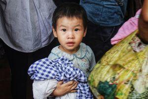 Cháy lớn gần BV Nhi: Ấm tình người trong cơn hoạn nạn