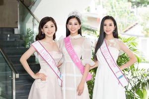 Hoa hậu Tiểu Vy bị 'tắt tiếng' vì lịch trình giao lưu dày đặc