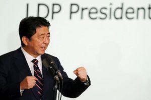 Chiến thắng áp đảo, ông Abe có cơ hội trở thành Thủ tướng tại nhiệm lâu nhất lịch sử Nhật Bản