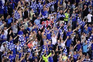CĐV Chelsea bị hành hung trước trận đấu tại Europa League