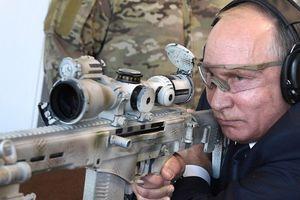 Xem Tổng thống Putin thử súng trường bắn tỉa hiện đại mới ra đời