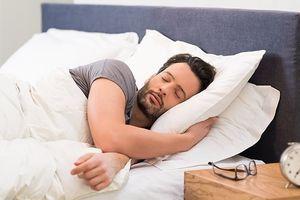 Đàn ông ngủ sớm có thể có tinh trùng khỏe mạnh hơn