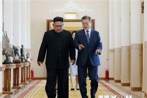 Tổng thống Hàn Quốc kêu gọi chấm dứt 70 năm thù địch giữa hai miền