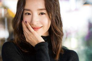 'Phú sát hoàng hậu' Đổng Khiết không hề kém cạnh Tần Lam với style tinh tế