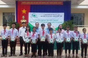 Quỹ Bảo vệ và Phát triển rừng Kon Tum: 'Đồng hành cùng em đến trường'