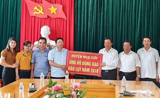 Huyện Nga Sơn ủng hộ đồng bào vùng lũ 500 triệu đồng