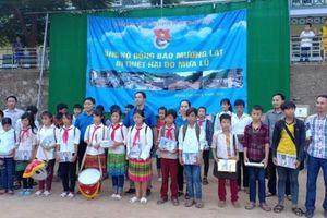 Trường THCS Giáp Bát chia sẻ khó khăn với các bạn học sinh THCS Tam Chung (Thanh Hóa)