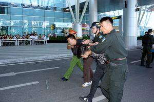 Diễn tập tình huống gây rối trật tự tại Cảng Hàng không quốc tế Đà Nẵng