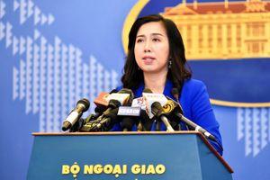 Bộ Ngoại giao thông tin việc 4 người Việt trộm quần áo Uniqlo tại Singapore