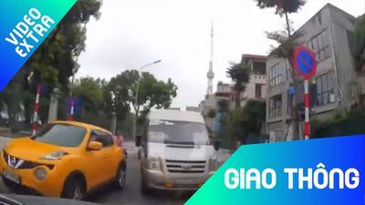 Ôtô suýt bị đâm 2 lần liên tiếp bởi xe lấn làn