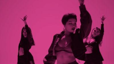 Sau MV 'bẫy' trai đẹp, Miu Lê mặc gợi cảm nhảy vũ điệu 'thả câu'