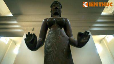 Ẩn số về bức tượng nữ thần nổi tiếng nhất của Chăm Pa