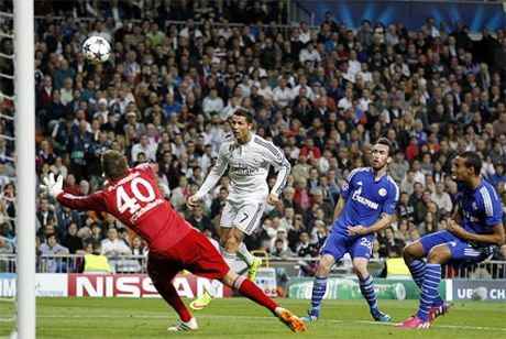 Luot ve Champions League: Real may man, Porto ruc ro - Anh 1