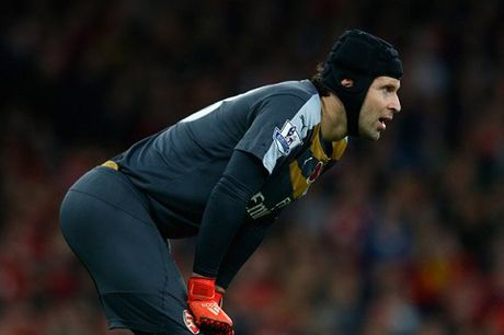 Petr Cech tu tin se vo dich Premier League cung Arsenal - Anh 1