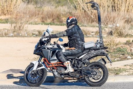 KTM 1290 Super Adventure the he moi lo anh tren duong thu - Anh 4