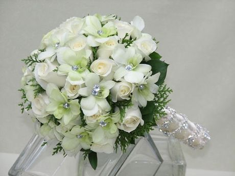 10 mau hoa cuoi cam tay dep nhat cho co dau trong ngay cuoi - Anh 4