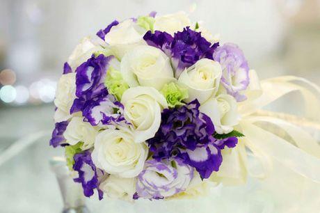 10 mau hoa cuoi cam tay dep nhat cho co dau trong ngay cuoi - Anh 5