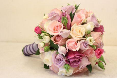 10 mau hoa cuoi cam tay dep nhat cho co dau trong ngay cuoi - Anh 9