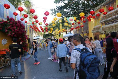 Sài Gòn: Nhiều bạn trẻ thưởng thức trọn vẹn không khí trung thu Hội An