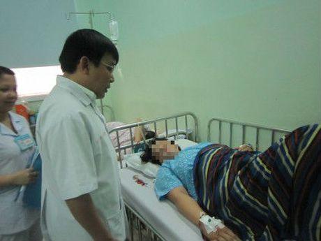 TP.HCM: Cuu song san phu sau sinh bi lon tu cung hiem gap - Anh 2