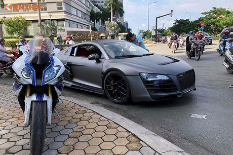 Sieu xe Audi R8 do bodykit hon 600 trieu tai Sai Gon - Anh 7