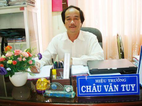 Thầy hiệu trưởng đưa trường huyện nghèo trở thành điểm sáng