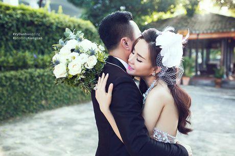 Nguoi dep showbiz Viet nguoi lam vo 3 ke thanh vo 4 dai gia: 'Co binh yen nao khong xot xa' - Anh 4