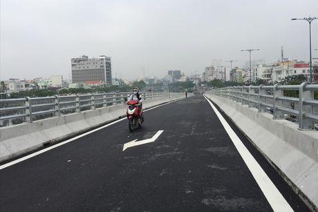 TPHCM: Thong xe nhanh cau Nguyen Tri Phuong ket noi duong Vo Van Kiet - Anh 1