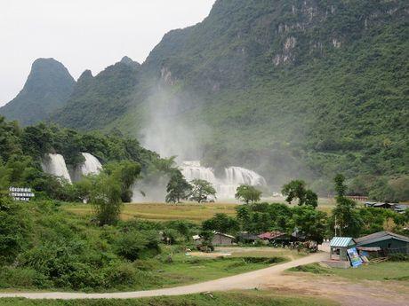 Huyen Trung Khanh: Nhieu 'mo vang' du lich cho khai thac - Anh 1