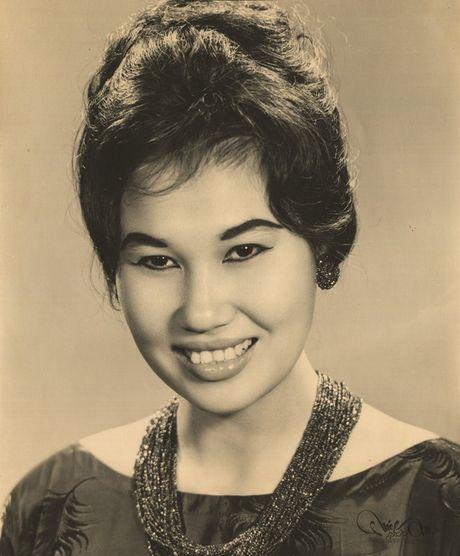 Thanh Nga, Tham Thuy Hang goi cam qua tay may Vien Kinh - Anh 5